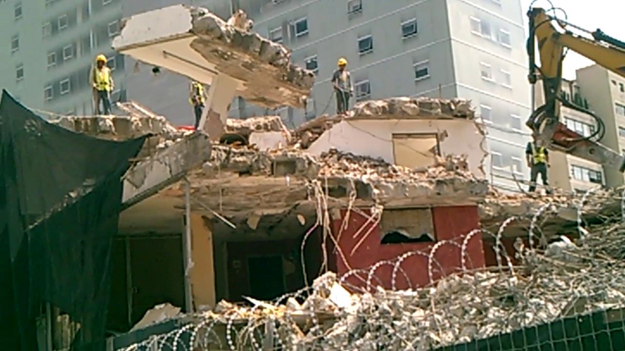 Demolicion en Tecamachalco