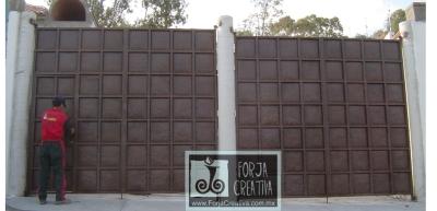 Forja creativa puebla blvr valsequillo 1617 a 2455 for Modelos de portones en hierro forjado